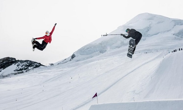 Snowboarding Filming with Gimbal